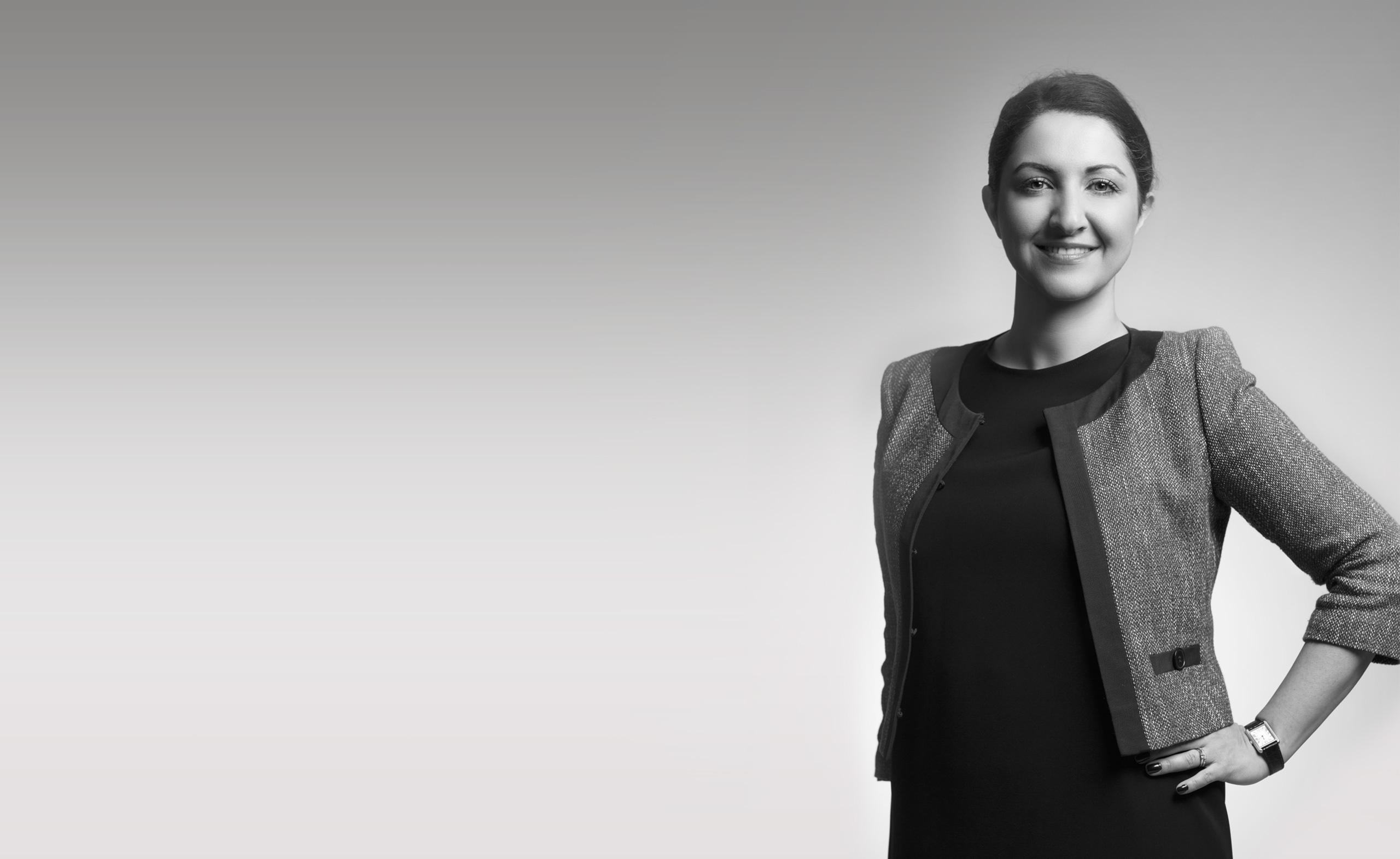Bahar Nabavi, Reg. fastighetsmäklare på Kungsholmen